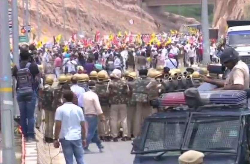 Kisan Andolan: सात महीने पूरे होने पर देशभर में अन्नदाताओं का प्रदर्शन जारी, पंचकूला में किसानों की भारी भीड़ से बढ़ी मुश्किल