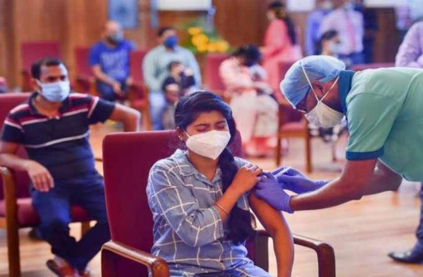 दिल्ली में एक दिन में रिकॉर्ड 2 लाख से अधिक लोगों का वैक्सीनेशन, यूपी-महाराष्ट्र में अब तक दी गई 3 करोड़ से ज्यादा डोज
