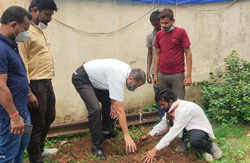 हरित प्रदेश अभियान: पर्यावरण  के लिए पुलिस अधिकारियों ने किया पौधारोपण,  संरक्षण का लिया संकल्प