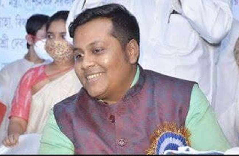 West Bengal फर्जी टीकाकरण कांड: देवांजन के पास से कई सरकारी विभागों की मुहर मिली