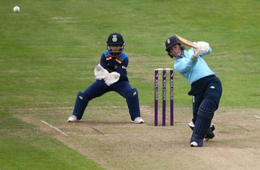 काम नहीं आया मिताली राज का अर्धशतक, इंग्लैंड ने भारत को 8 विकेट से हराया
