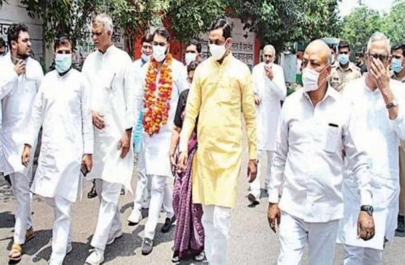 जर्मन से भारत आकर लड़ा चुनाव और बन गए पंचायत अध्यक्ष, फिल्मी लगती है ये कहानी