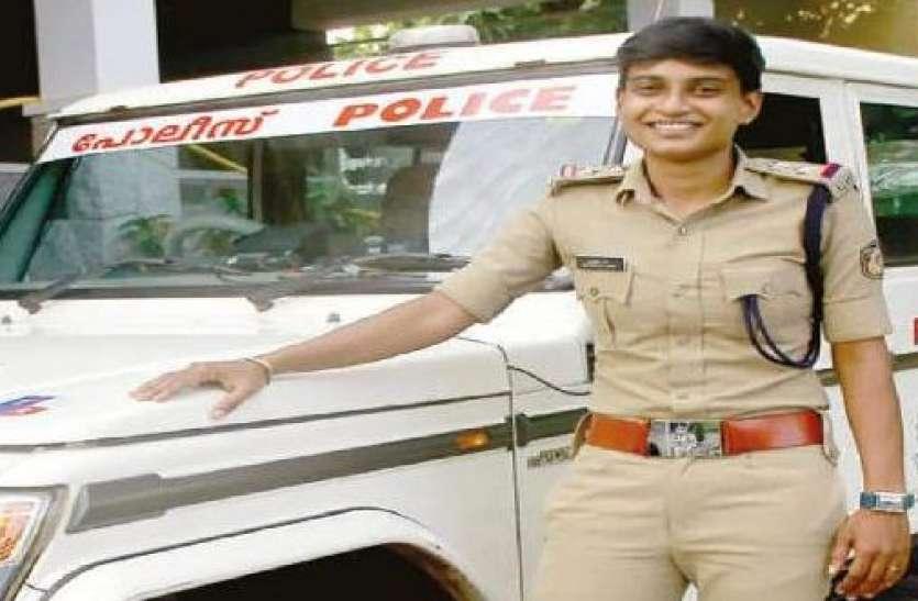 केरलः शिकंजी और आइसक्रीम बेचकर बनीं पुलिस अफसर, जानिए कैसे महिला ने हर मुसीबात को दी मात