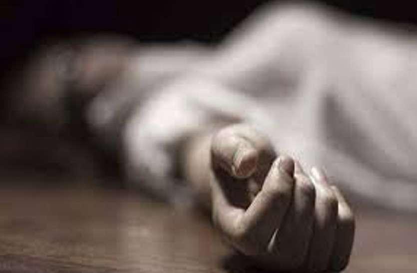 अलसुबह कमरे से गायब थी नवविवाहिता पत्नी, पति ने किचन में जाकर देखा तो उड़ गए होश
