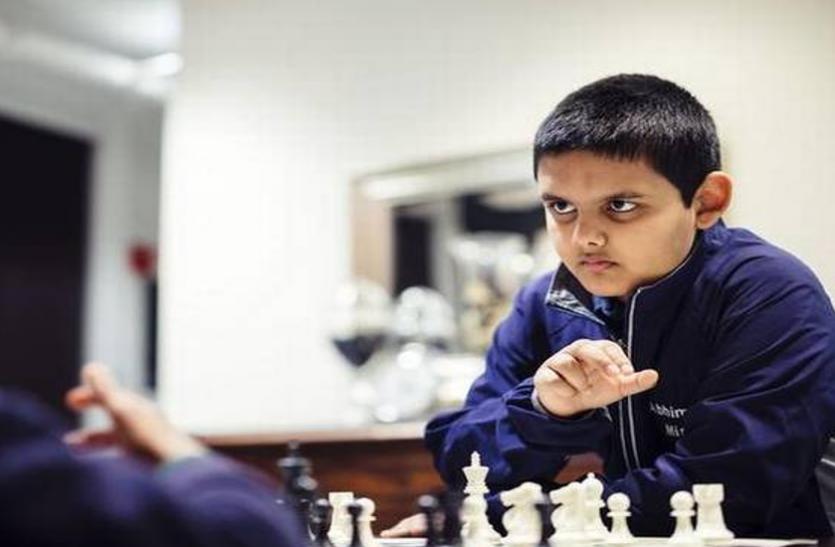 12 वर्षीय भारतवंशी अभिमन्यु बने Chess में वर्ल्ड के सबसे युवा ग्रैंडमास्टर, तोड़ा 19 साल पुराना रिकॉर्ड