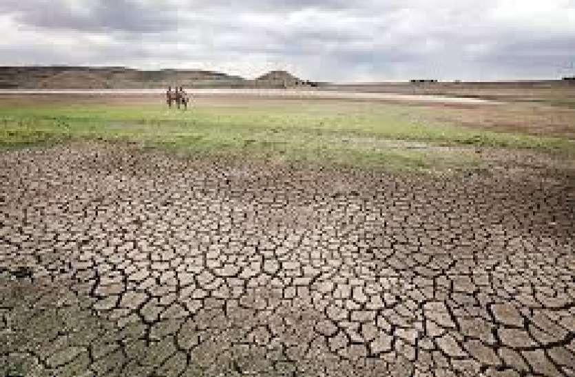 43 तालाब की 67.79 मिलियन घन मीटर पानी की क्षमता, वह भी सूख गए