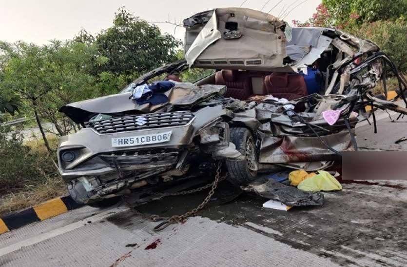 यमुना एक्सप्रेसवे पर खड़े ट्रक में घुसी तेज रफ्तार कार, दो की मौत, आधा दर्जन घायल