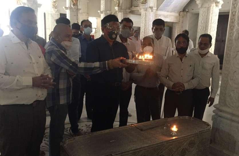 चिकपेट मंदिर में राव का अभिनन्दन