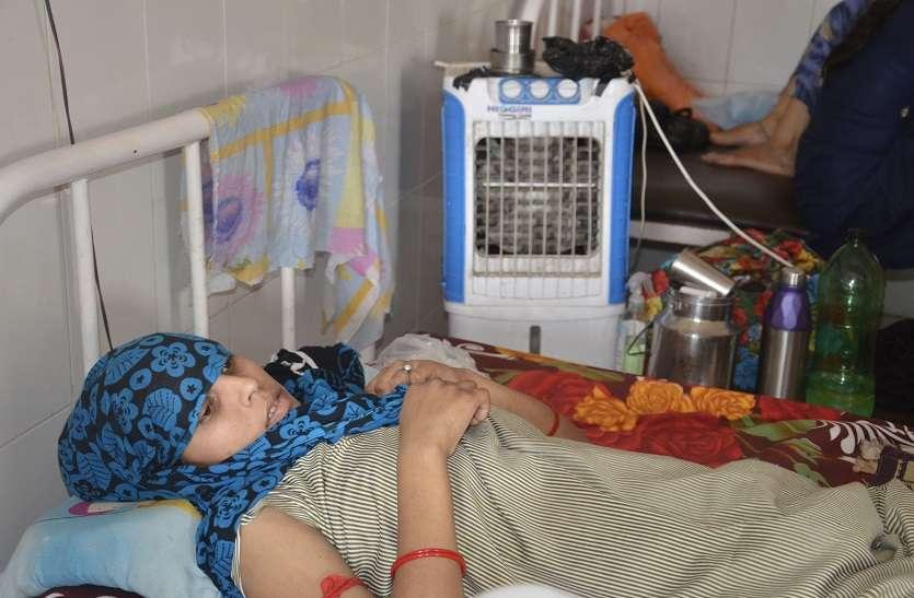 बीमार व्यवस्था: व्याकुल मरीजों को टका सा जवाब, सुविधा चाहिए तो निजी अस्पताल में कराओ इलाज