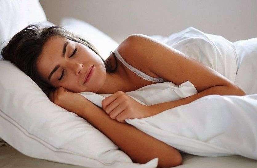 Neck, back and shoulder pain :- गर्दन, पीठ और कंधे का दर्द सता रहा है, तो इस तरह सोने से मिलेगा आराम