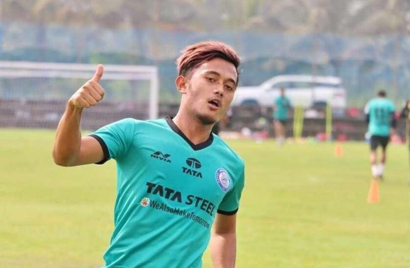 ओडिशा एफसी ने भारतीय फुटबॉलर इसाक के साथ करार किया