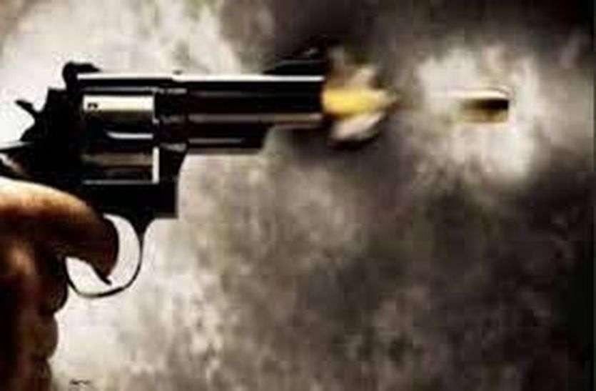 बंगाल में डकैतों की गोलीबारी, नाबालिग घायल