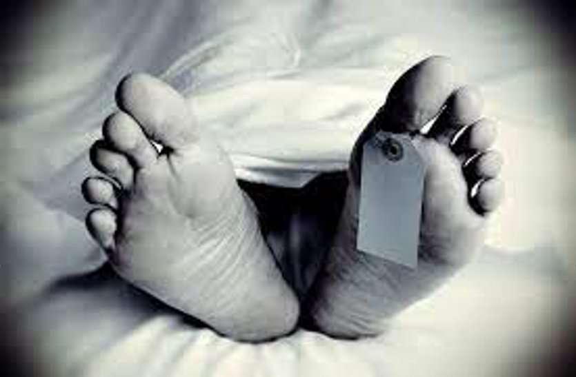 इंसाफ के लिए मां ने मौत के 52 दिन बाद खुदवाया बेटी का कब्र, कहा मरी नहीं है...जालिमों ने बेरहमी से मारा है...