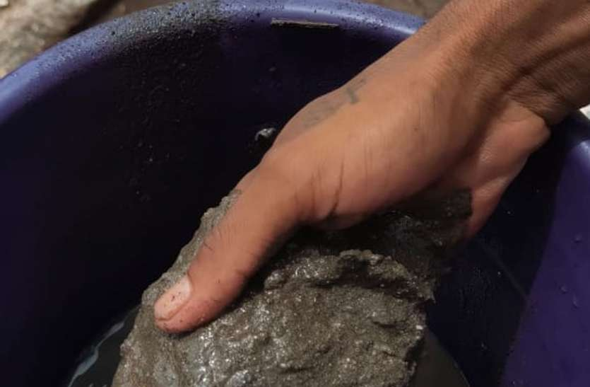 गंदे व बदबूदार पानी की आपूर्ति से आमजन परेशान