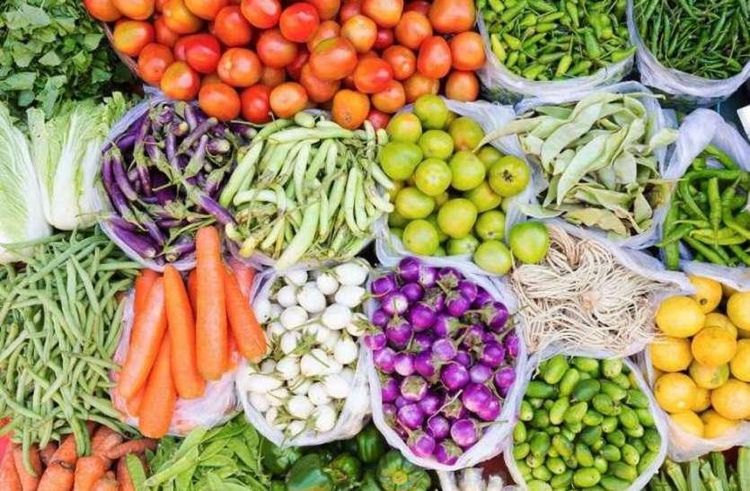 पेट्रोल-डीजल के बाद अब सब्जियां भी शतक मारने को आतुर