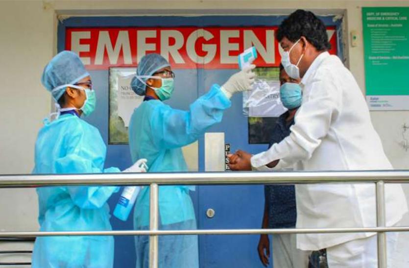 Coronavirus: 24 घंटे में 31 हजार 443 नए मरीज, 27 दिन बाद एक दिन में 2 हजार से ज्यादा मौतें