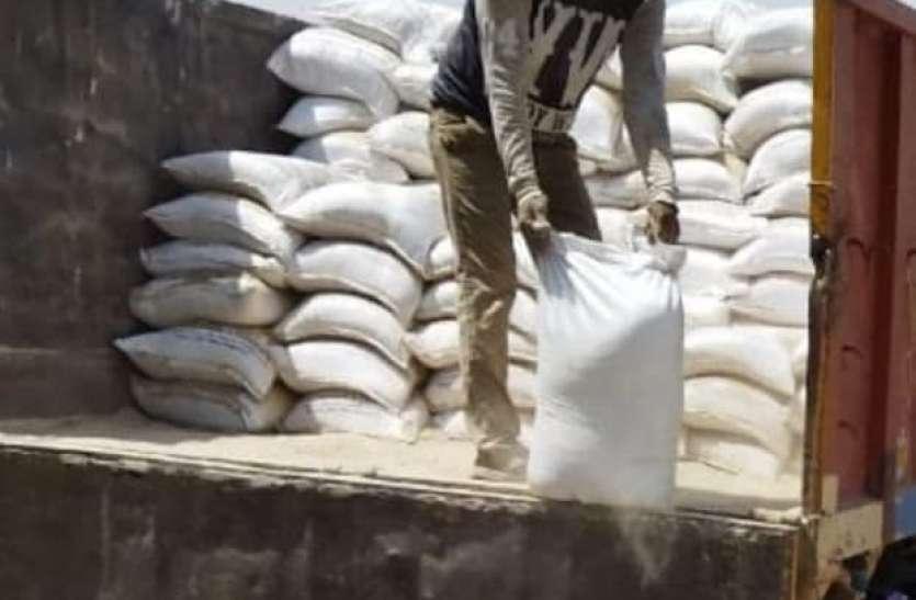 जिले में दलाल सक्रिय, किसानों को दे रहे घटिया क्वालिटी की जिप्सम