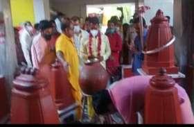 पीताम्बरा पीठ पर पूजा—अर्चना करने आए मंत्री तुलसी सिलावट ने माता बगुलामुखी से की ये विशेष कामना