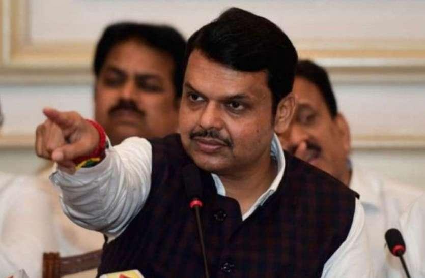 स्पीकर के चुनाव की प्रक्रिया बदलने की फिराक में महाराष्ट्र सरकार, फडणवीस ने साधा निशाना