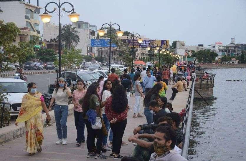 मौसम सुहाना : अजमेर, पुष्कर में उमड़े सैलानी, सरकारी गाइडलाइन की उड़ाई धज्जियां