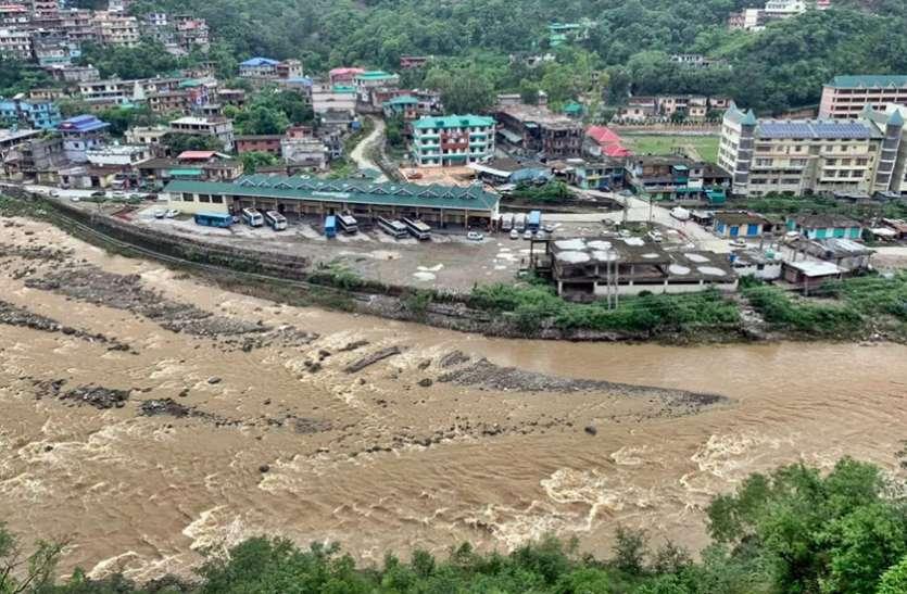 Live Weather Report: हिमाचल में 4 लोगों की मौत, 252 सड़कों पर आवाजाही प्रभावित, इन राज्यों में भारी बारिश का अलर्ट