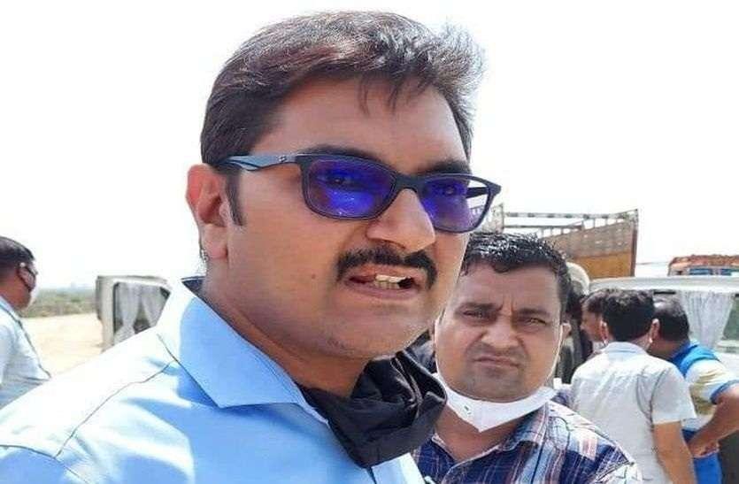 रिश्वत मामले में गिरफ्तार अफीम फैक्ट्री का महाप्रबंधक निलंबित, एसीबी के सामने रोज गढ़ रहा झूठी कहानी