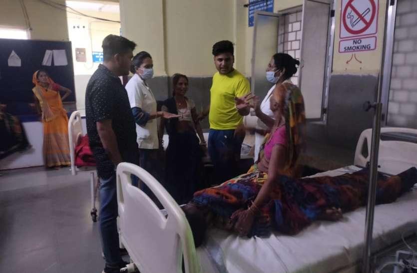 ब्लॉक मेडिकल ऑफिसर के क्लीनिक पर इलाज के लिए पहुंचे किशोर से तोड़ा दम