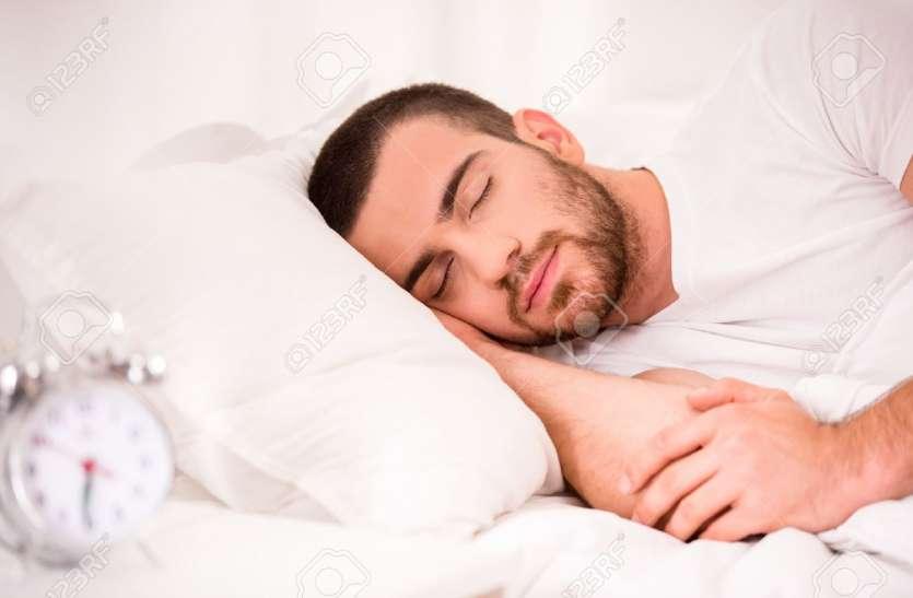Wrinkles and sleep position: गलत सोने से चेहरे पर होने वाली झुर्रियों से करें बचाव