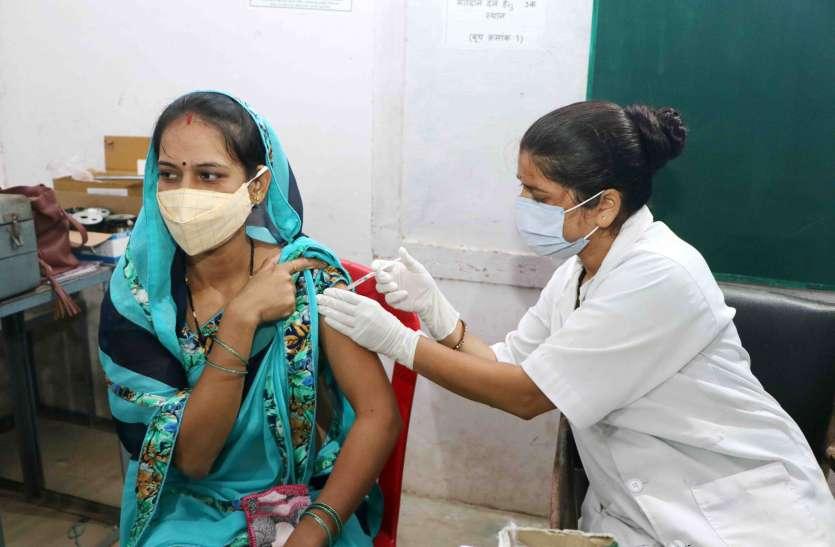 17 हजार 443 लोगों को लगाये टीके, गुरुवार के लक्ष्य का शत प्रतिशत किया वैक्सीनेशन