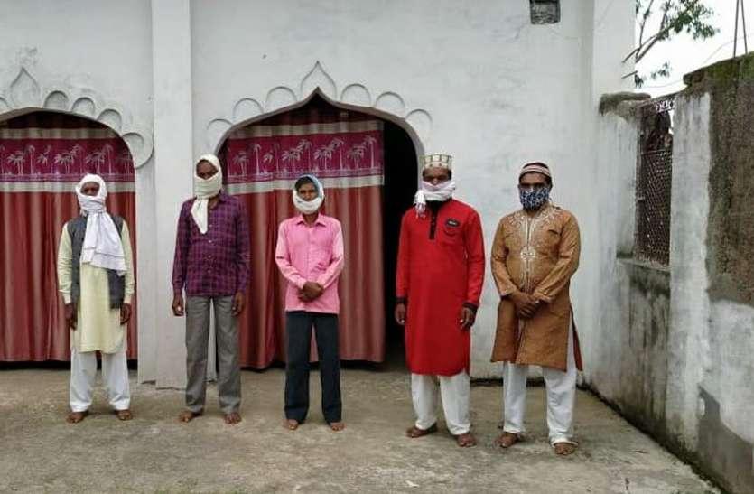 मस्जिद और ईदगाहों में अदा हुई नमाज, मांगी अमन चैन की दुआएं, ईद-उल-अजहा की दी बधाई