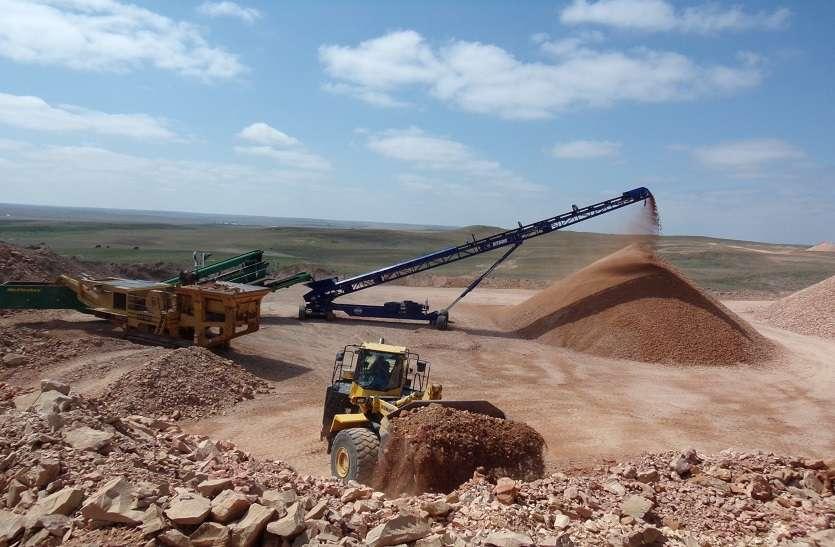 Illegal gravel: अवैध बजरी खनन व परिवहन से 229 करोड़ वसूले