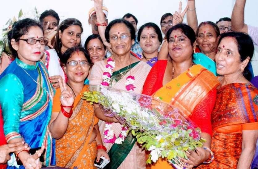 रीता बहुगुणा जोशी का जन्मदिन धूमधाम से मनाया गया