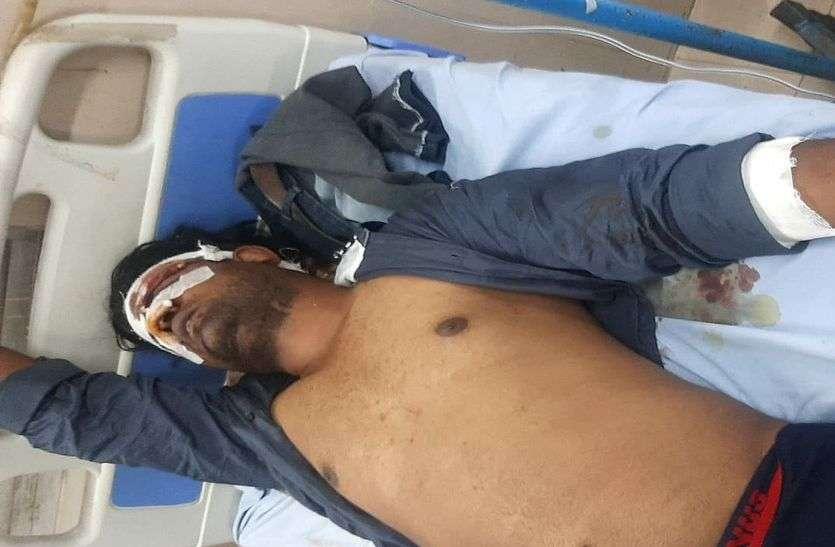 कोटा में वारदात : आधा दर्जन बदमाशों ने कार सवार युवक पर किया लाठियों व सरियों से हमला, 48 हजार रुपए व मोबाइल लूटा