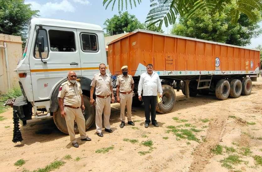 पुलिस ने चोरी गए ट्रेलर को बानसूर से बरामद किया