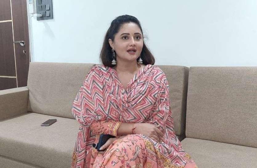 बांसवाड़ा पहुंची अभिनेत्री रश्मि देसाई, कहा- टेलीविजन के क्षेत्र में बढऩे लगी है दिक्कतें