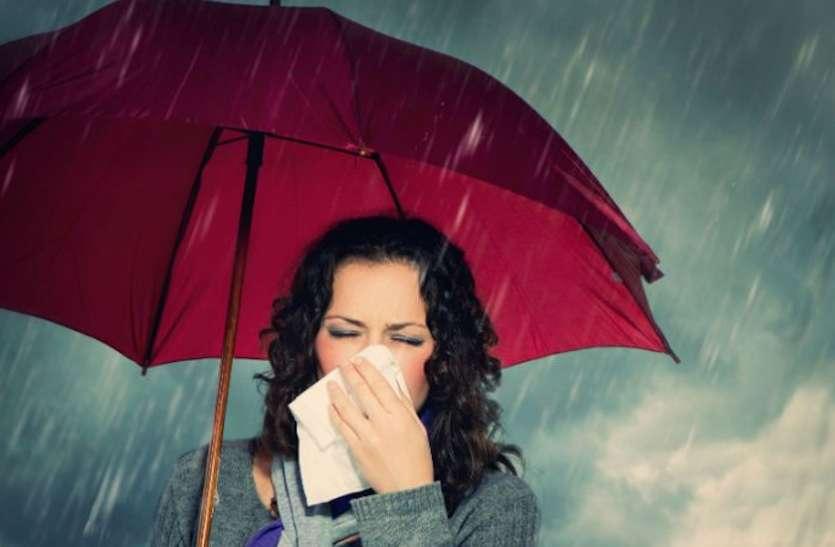 Health Care: बारिश में भीगना सेहत पर पड़ सकता है भारी, खुद को बीमार होने से बचाने के लिए इन बातों का रखें ध्यान