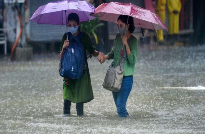 Live Weather Report : देश के कई राज्यों में भारी बारिश का अलर्ट, कई जगह भूस्खलन और बाढ़ जैसी स्थिति