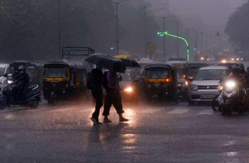 बारिश से तीन राज्यों में बाढ़ का कहर, अब तक करीब 150 लोगों की मौत