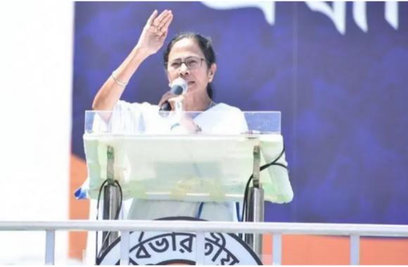 2024 के लिए Anti-BJP फ्रंट बनाने की तैयारी में ममता! दिल्ली में विपक्षी नेताओं की बुलाई बैठक