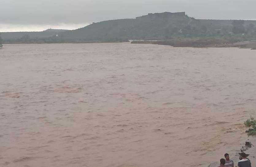 जयपुर सहित कई जिलों में झमाझम, गगरीन बांध क्षेत्र में 10 इंच बारिश, नदियां उफान पर