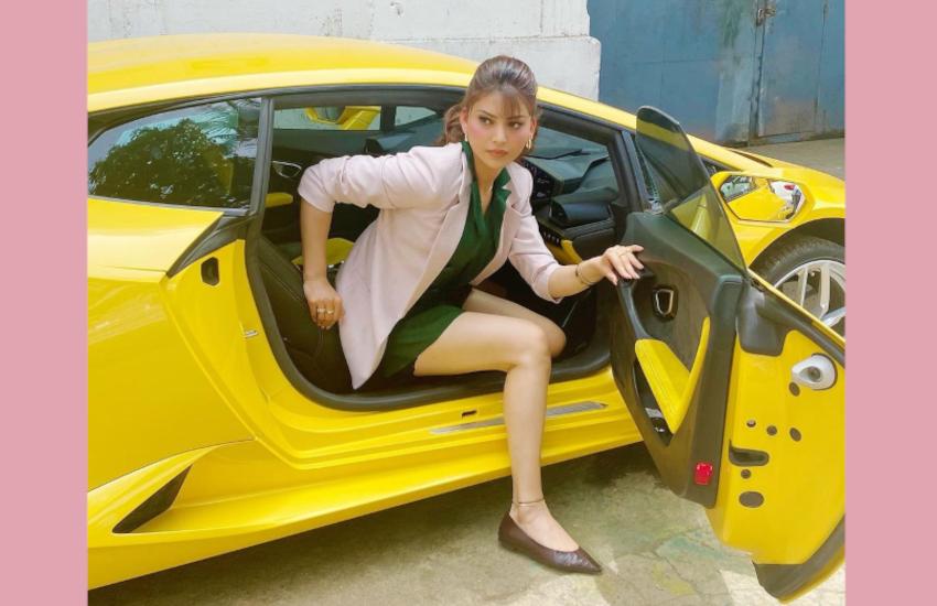 urvashi_rautela_car.png