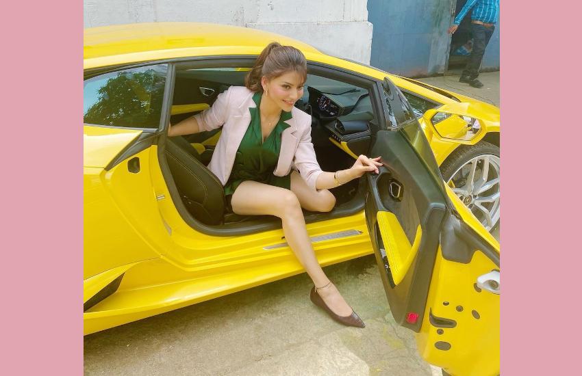 urvashi_rautela_car_drive.png