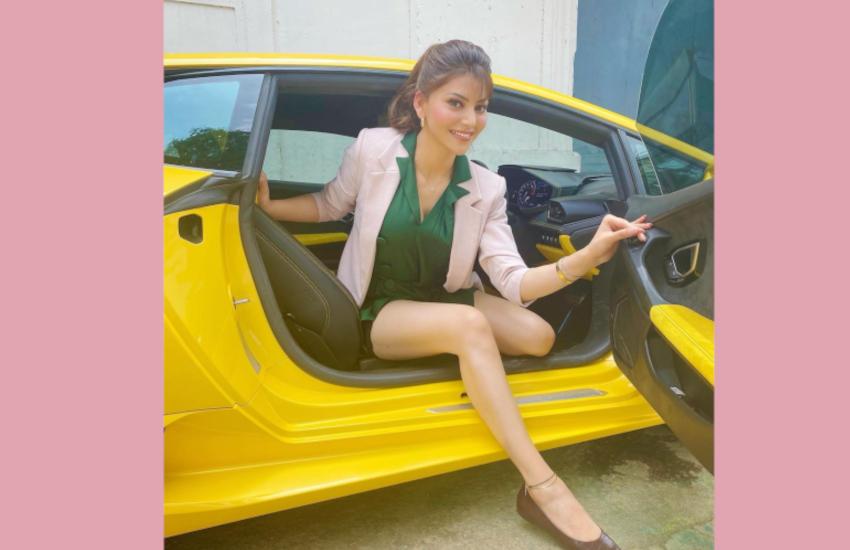 urvashi_rautela_car_photos.png
