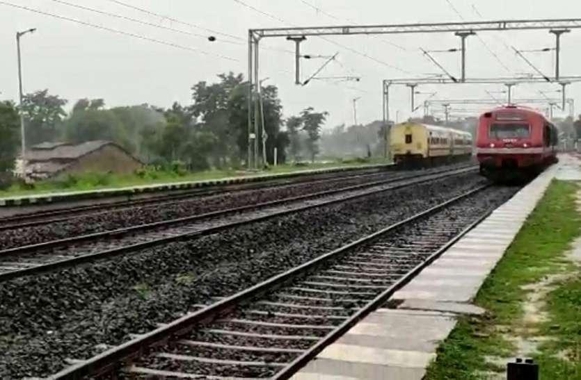 तुमसर से तिरोड़ी पहुंची डेमू ट्रेन, रेलवे ट्रेक पर हुआ ट्रायल