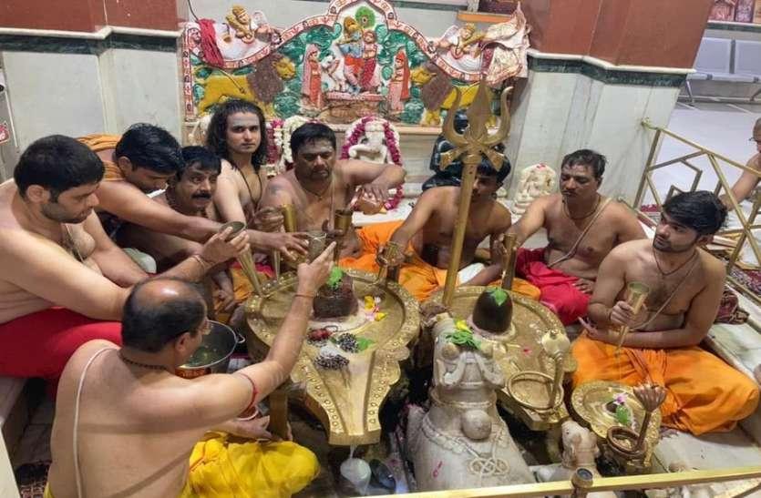 श्रावण के प्रथम सोमवार को शिव भक्तों में झलका उत्साह