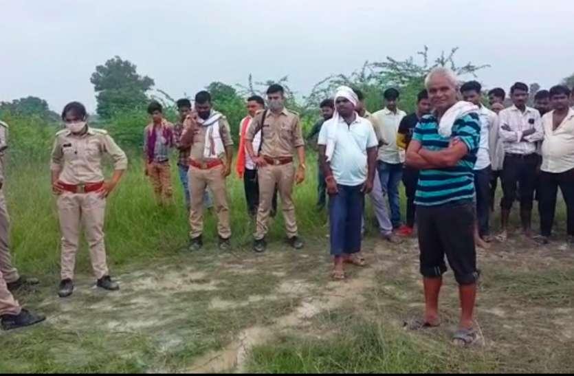 जंगल में युवती का शव मिलने से मचा हड़कंप, पुलिस कर रही है जांच