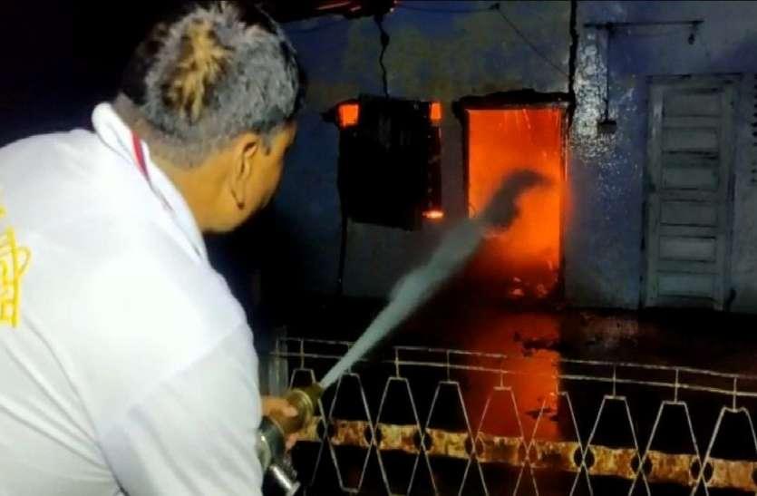 सीतापुर में पुलिस मुठभेड़ में 25 हजार का इनामी बदमाश गिरफ्तार, चोरी का माल बरामद