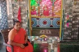 निजी खर्च से बना दिया 30 लाख का मंदिर