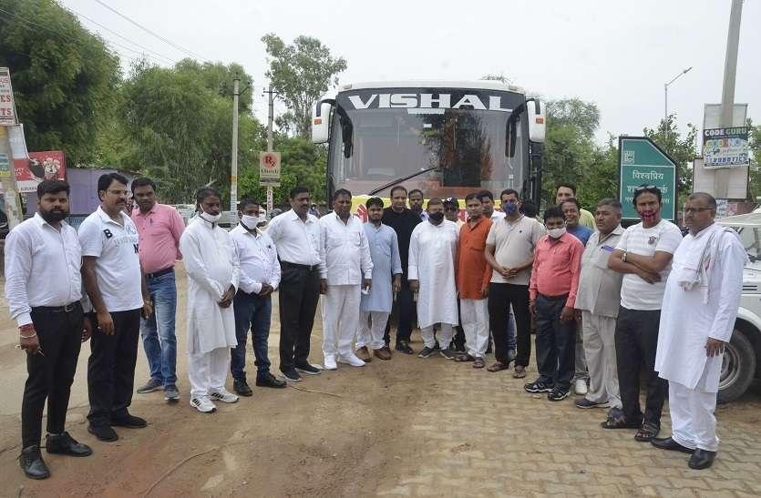 चंडीगढ़ में पार्षद डोर टू डोर पूछ रहे कंपनी की सफाई व्यवस्था कैसी...
