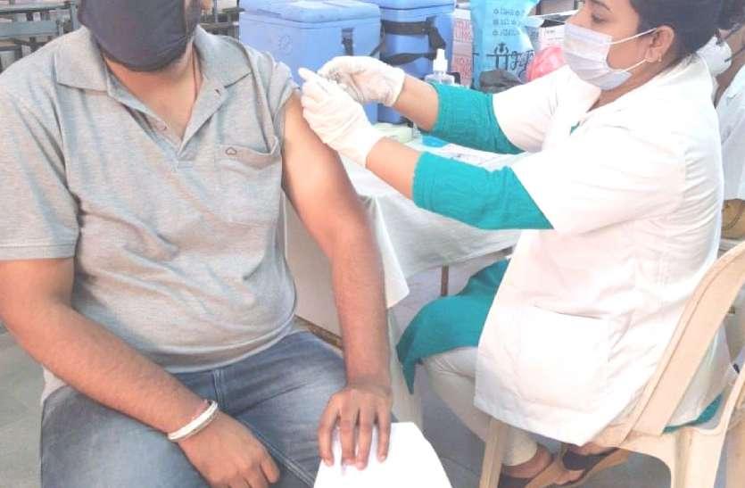 बुरहानपुर में 3 लाख पार वैक्सीन का पहला डोज, दूसरे डोज का आंकड़ा कम